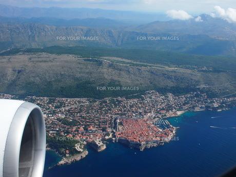 飛行機からのドゥブロヴニクの写真素材 [FYI01221894]