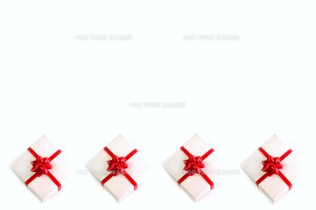 並んだプレゼントボックスの写真素材 [FYI01221990]
