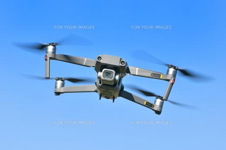 空撮専用の小型ドローンの写真素材 [FYI01222010]