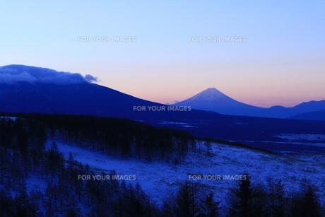 霧ヶ峰の冬の写真素材 [FYI01222196]
