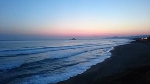 白兎海岸と朝日の写真素材 [FYI01222229]