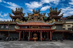台湾の九份にあるお寺の写真素材 [FYI01222693]
