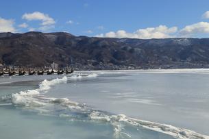 諏訪湖 御神渡りの写真素材 [FYI01222945]