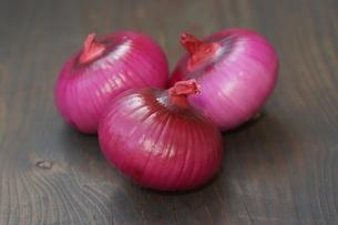 紫たまねぎの写真素材 [FYI01223067]