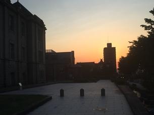 文翔館から見た夕陽の写真素材 [FYI01223190]