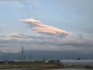 軍艦のような雲の写真素材 [FYI01223191]