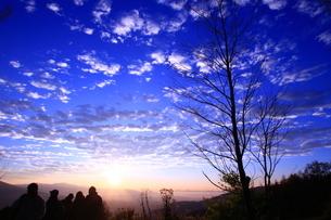 夜明けの空の写真素材 [FYI01223246]