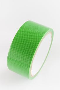 縦位置の緑色の仮止めテープの写真素材 [FYI01223405]