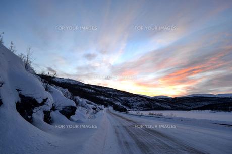 雪国の情景の写真素材 [FYI01223671]