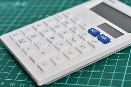 電卓の写真素材 [FYI01223936]