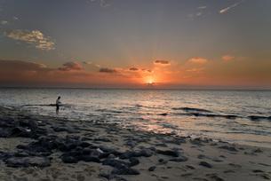 宮古島/長間浜の夕景の写真素材 [FYI01224216]