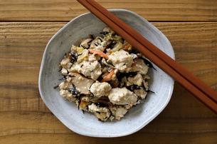 炒り豆腐の写真素材 [FYI01224368]