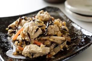 炒り豆腐の写真素材 [FYI01224375]