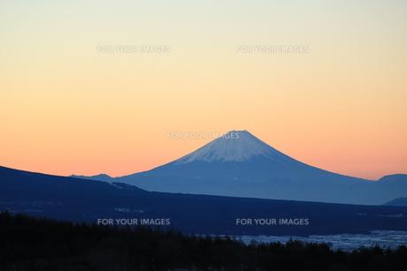 霧ヶ峰から見た富士山の写真素材 [FYI01224975]