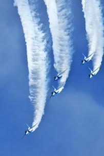 アクロバット飛行の写真素材 [FYI01225584]