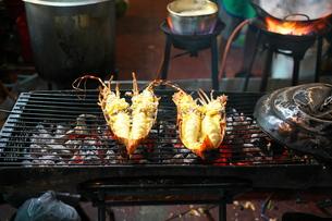 バンコクの中華街で販売されているロブスターの写真素材 [FYI01226558]
