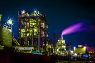 川崎工業地帯の夜景の写真素材 [FYI01226605]