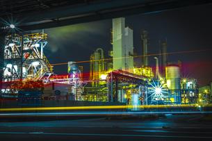 川崎工業地帯の夜景の写真素材 [FYI01226608]