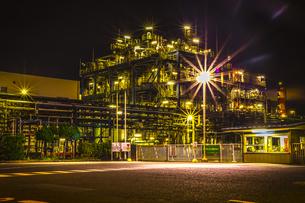 川崎工業地帯の夜景の写真素材 [FYI01226610]