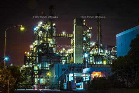 川崎工業地帯の夜景の写真素材 [FYI01226611]