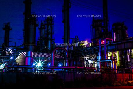 川崎工業地帯の夜景の写真素材 [FYI01226612]