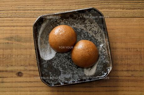 黒糖饅頭の写真素材 [FYI01226801]