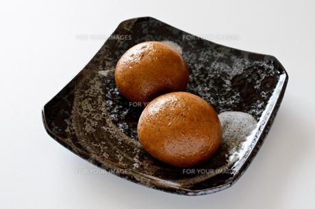 黒糖饅頭の写真素材 [FYI01226829]