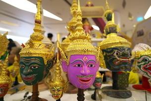 タイ舞踊で使われるコーン・マスク(魔神の仮面)の写真素材 [FYI01227084]