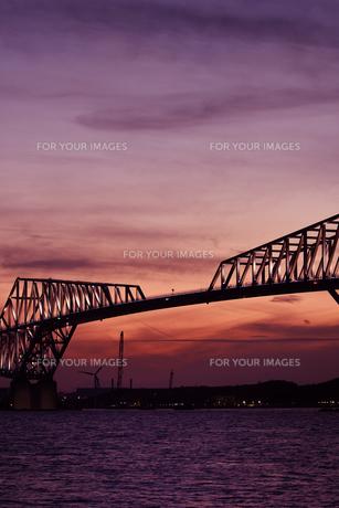 夕方の東京ゲートブリッジの写真素材 [FYI01227262]
