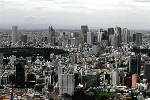 東京新宿の都市景観の写真素材 [FYI01228189]