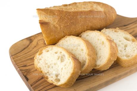 フランスパン バゲットの写真素材 [FYI01229182]