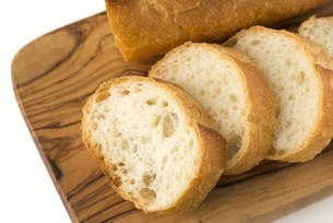 フランスパン バゲットの写真素材 [FYI01229183]