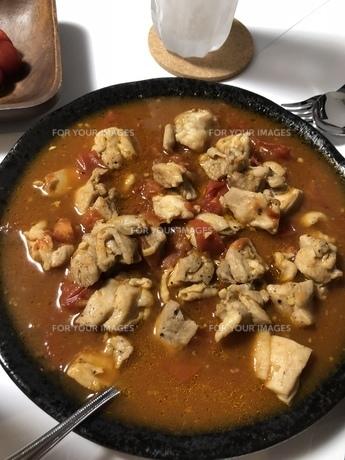 チキンのトマト煮の写真素材 [FYI01229413]
