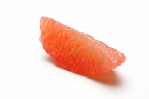 皮をむいたグレープフルーツの写真素材 [FYI01231011]