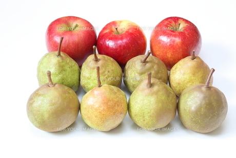 洋梨と林檎の写真素材 [FYI01231174]