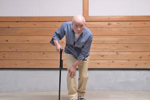 杖と老人の歩行の写真素材 [FYI01231192]