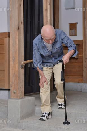 杖と老人の歩行の写真素材 [FYI01231200]