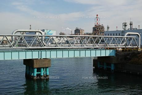 川崎の工業地帯の風景の写真素材 [FYI01232120]