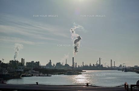 川崎の工業地帯の風景の写真素材 [FYI01232170]