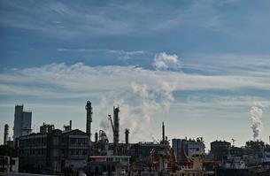 川崎の工業地帯の風景の写真素材 [FYI01232171]