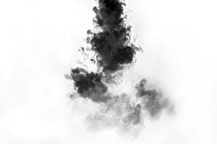 黒い煙の写真素材 [FYI01232230]