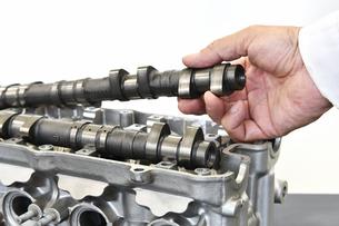 大型バイクエンジンの整備の写真素材 [FYI01232253]