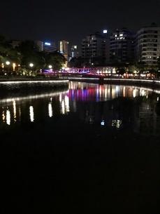 シンガポール 水辺 夜景の写真素材 [FYI01232298]