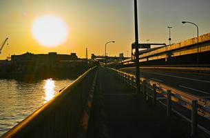 鶴見大橋の夕景の写真素材 [FYI01232368]