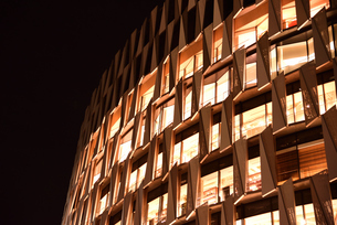 梅田阪神百貨店の夜景の写真素材 [FYI01232443]