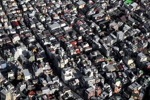 空から見た東京の住宅街の写真素材 [FYI01232844]