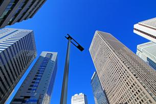 東京新宿の高層ビル群の風景の写真素材 [FYI01233145]