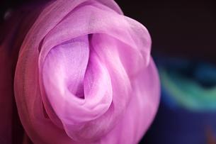 シルク(絹)のスカーフの写真素材 [FYI01233398]