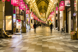 京都寺町京極商店街の写真素材 [FYI01233757]