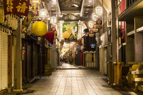 京都寺町京極商店街の写真素材 [FYI01233773]
